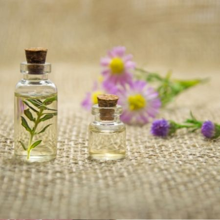 Physical properties of lilac essential oil - Benefits of Lilac Essential Oil