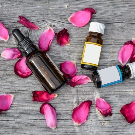 Therapeutic Properties- Benefits of Lilac Essential oil